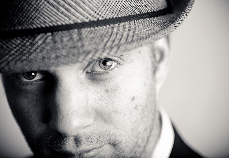 Muškarac sa šeširom